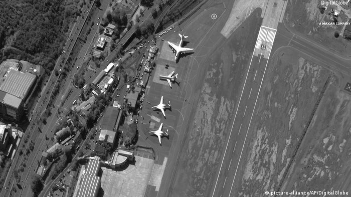 Venezuela Airport Maiquetia Satellitenbild russische Präsenz (picture-alliance/AP/DigitalGlobe)