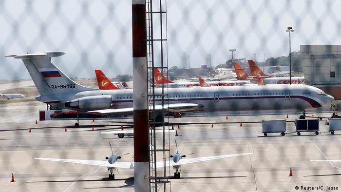 Venezuela Caracas Flughafen russisches Flugzeug (Reuters/C. Jasso)