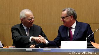 Βόλφγκανγκ Σόιμπλε και Ρισάρντ Φεράν στηρίζουν το σχέδιο Μέρκελ - Μακρόν