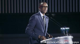 Ruandski predsjednik Paul Kagame (picture-alliance/C. Ndegeya)