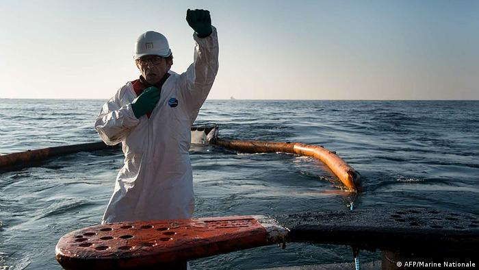 Oil spill disasters at high sea: What can we do to prevent