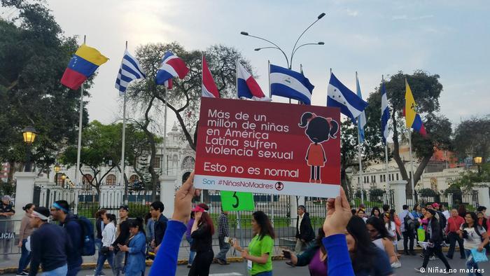 """Niñas no madres (""Mädchen, nicht Mütter"") in Lateinamerika (Niñas no madres )"