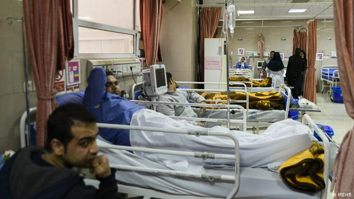 سعید نمکی، وزیر بهداشت گفت: «از مجموع ۱۱۰ مصدوم اعزامی و یا مراجعه کننده به مراکز درمانی شیراز در اثر وقوع سیلاب، هم اکنون ۴۱ نفر در بیمارستانها بستری هستند و خدمات لازم به آنان ارائه میشود.»