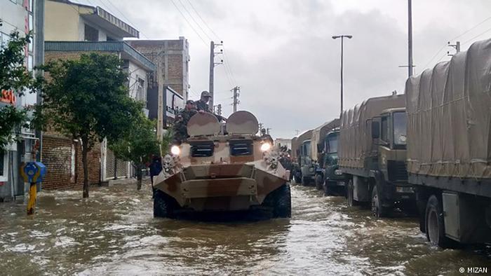 واحدهای نیروی زمینی ارتش به مناطق سیل زده در شمال ایران اعزام شدهاند و عملیات امداد رسانی به سیلزدگان در حال انجام است.