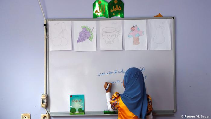 Türkei - ohne Papiere fürchten sich die Uiguren um ihre Zukunft (Reuters/M. Sezer)