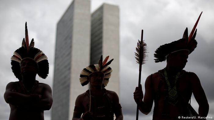 Índios pataxós em Brasília