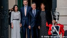 Spain's King Felipe VI (2-L), his wife Queen Letizia (L), Argentina's President Mauricio Macri (2-R) and his wife First Lady Juliana Awada pose for pictures as they attend the VIII International Congress of the Spanish Language in Cordoba, Argentina on March 27, 2019. (Photo by DIEGO LIMA / AFP) (Photo credit should read DIEGO LIMA/AFP/Getty Images)