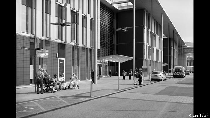 Facade of a modern building (Copyright: Lars Bösch)