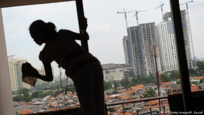 Hausangestellte in Indonesien (AFP/Getty Images/R. Gacad)