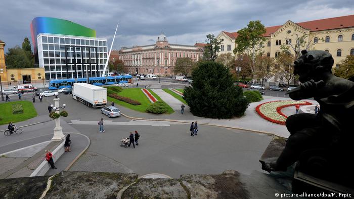 Zagreb - Blick auf die Musikakademie und das Hauptgebäude der Universität