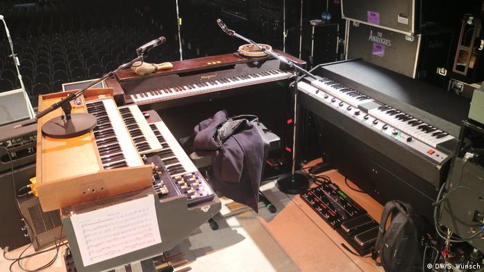 Die Keyboard-Section mit Mellotron, hammond-Orgel, Klavier und Hohner Oianet