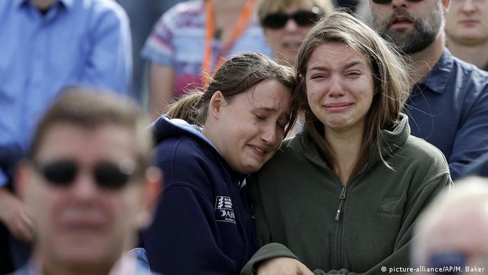 Terroranschlag Neuseeland Video Facebook: Christchurch Ehrt Die Opfer