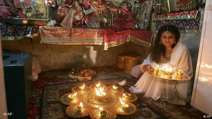 Flash-Galerie Pakistan: Hindu-Fesival in Lahore (AP)