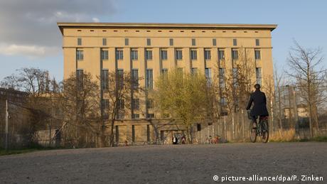 Das Gebäude vom Techno-Club Berghain von Außen (picture-alliance/dpa/P. Zinken)