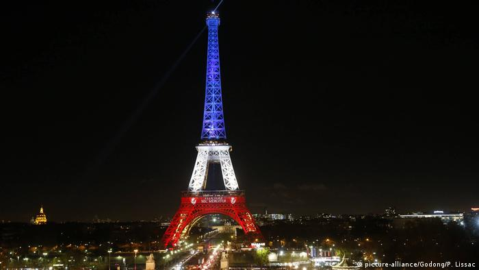 Eiffel Tower (picture-alliance/Godong/P. Lissac)