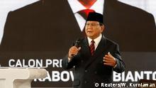 Indonesien   TV-Debatte der Präsidentschaftskandidaten Widodo und Subianto