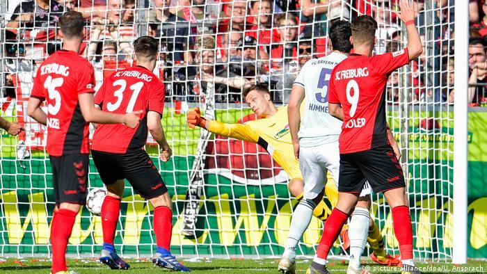 Fußball Bundesliga 27. Spieltag Freiburg - FC Bayern | Tor
