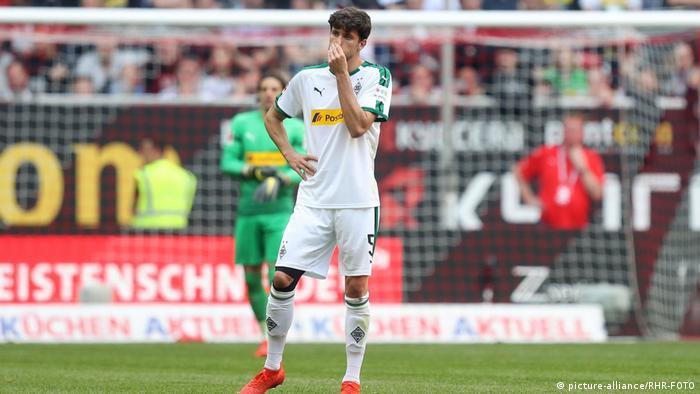 Fußball Bundesliga 27. Spieltag Borussia Mönchengladbach   Enttäuscht (picture-alliance/RHR-FOTO)