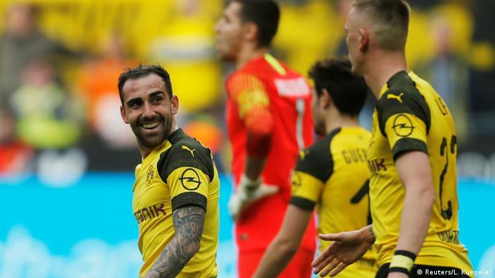 Fußball Bundesliga   27. Spieltag   Borussia Dortmund - VfL Wolfsburg   Torjubel 2:0