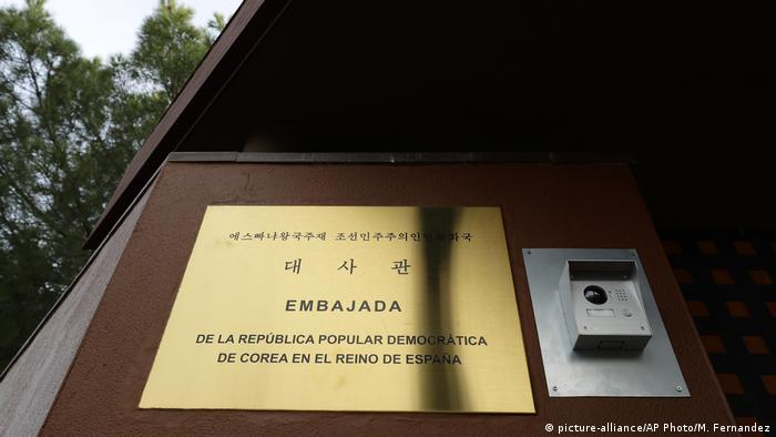 Botschaft Nordkorea in Madrid Spanien (picture-alliance/AP Photo/M. Fernandez)