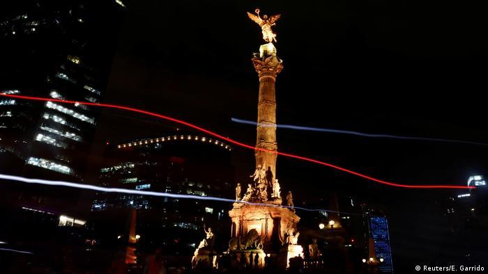 Mexiko Earth Hour (Reuters/E. Garrido)