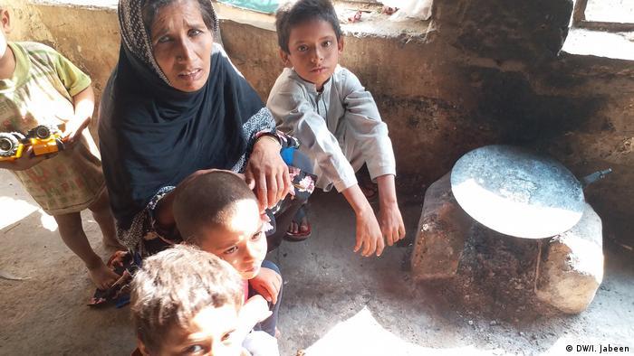 Pakistan Kinderunterernährung (DW/I. Jabeen)