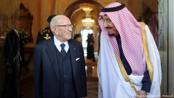 Der tunesische Präsident Hafedh Caid Essebsi (l.) mit dem saudischen König Salman auf dem Gipfel