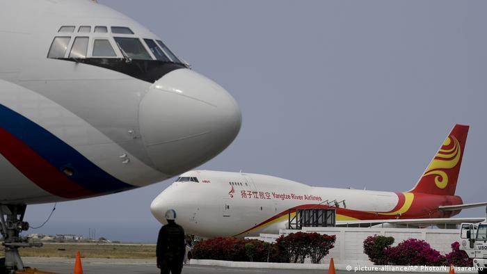 Zwei Russische und chinesische Frachtmaschinen auf dem Flughafen von Caracas (29.03.2019)