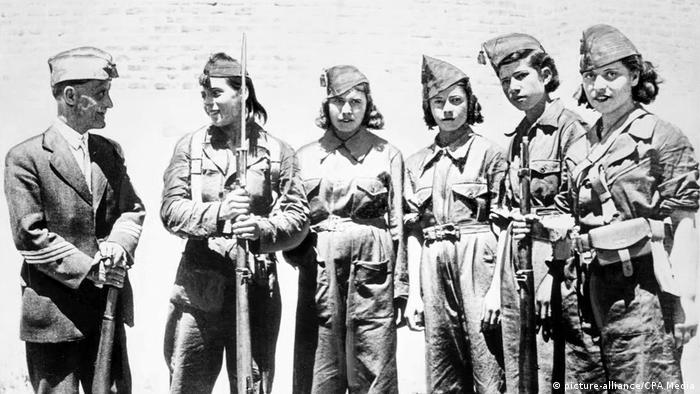 Republican women fighters, Spanish Civil War (1936-1939), 1937 (picture-alliance/CPA Media)