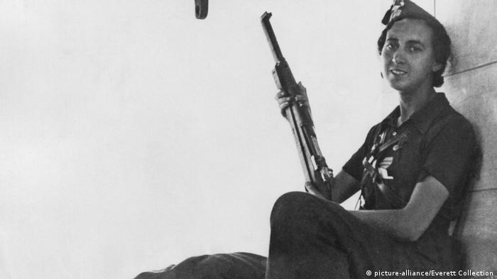 Spanischer Bürgerkrieg | Soldatin (picture-alliance/Everett Collection)