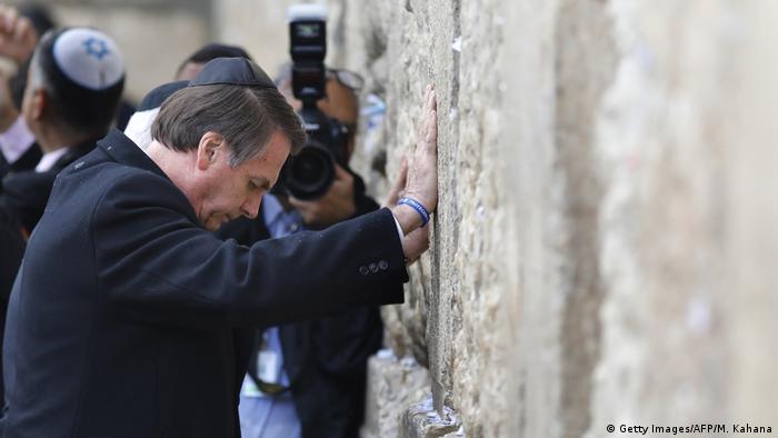 Presidente Jair Bolsonaro no Muro das Lamentações, em Jerusalém, durante sua visita de quatro dias em Israel