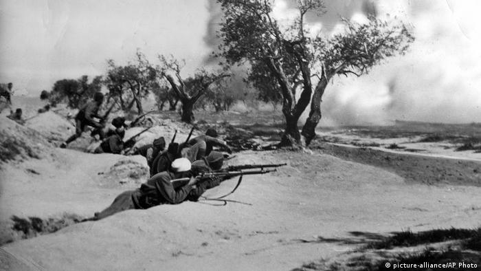 Spanien Ebroschlacht (1938) (picture-alliance/AP Photo)