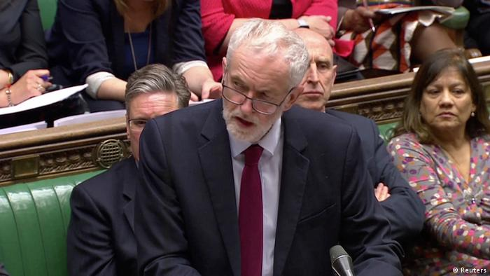Oppositionschef Jeremy Corbyn zu Gesprächen über einen Kompromiss eingeladen