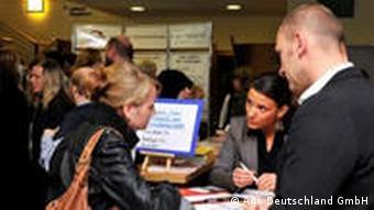 A4e Action for employment veranstaltete am 29.09.09 ein Job Speed Dating in Gelsenkirchen, zu dem über 1000 Arbeitslose kamen