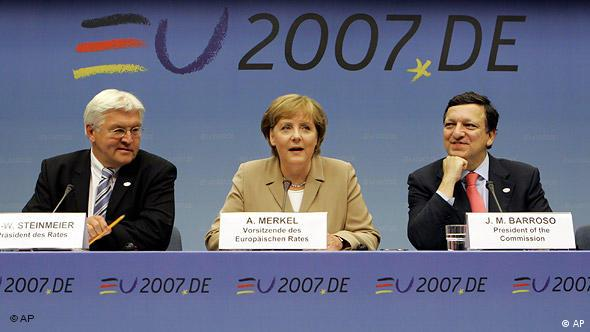 Frank-Walter Steinmeier, Angela Merkel and Jose Manuel Barroso at a press conference in Brussels in 2007 (AP)
