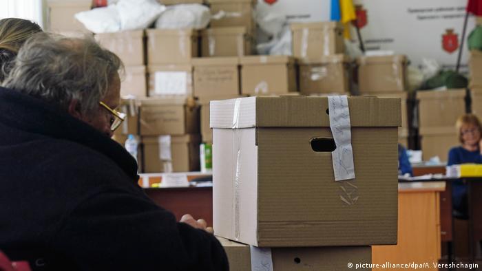 Володимир Зеленський і Петро Порошенко виходять до другого туру виборів