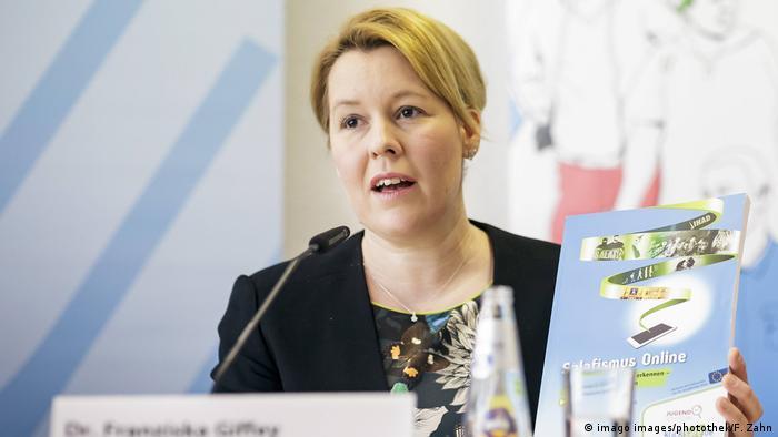 Bundesfamilienministerin Franziska Giffey SPD bei einer Pressekonferenz zum Lagebericht Islamismus