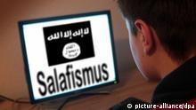 Symbolbild zu den Anwerbeversuchen der radikal-islamistischen IS Islamischer...