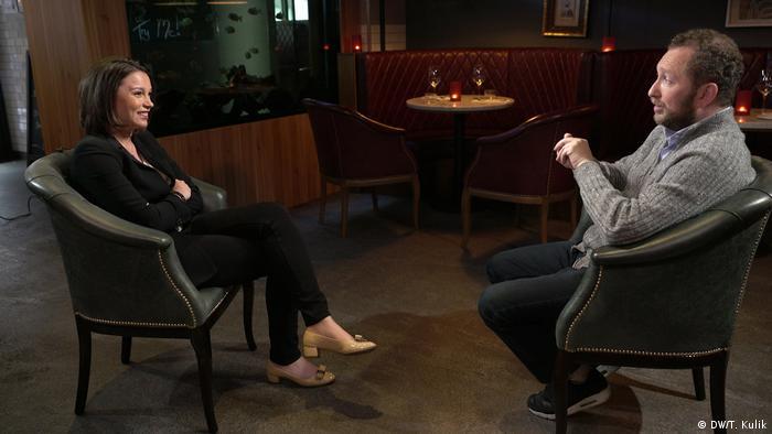 Михаил Зельман во время интервью Жанне Немцовой