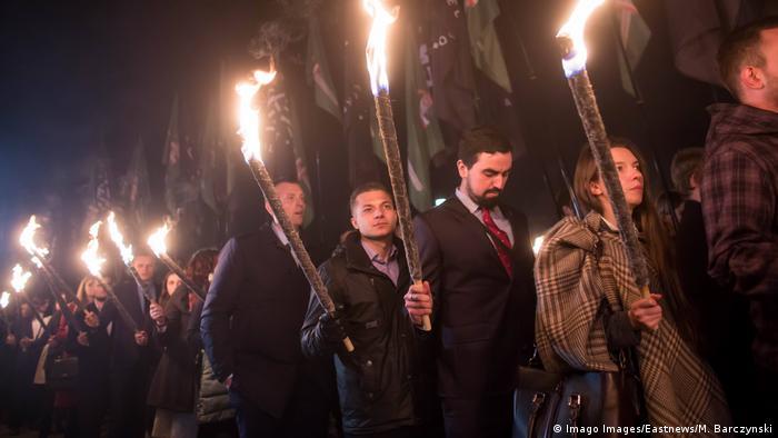 Факелно шествие на полски националисти в Ченстохова