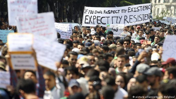 Erneut Proteste in Algerien trotz Rücktrittsankündigung