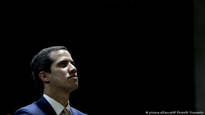 Venezuela Caracas Juan Guaido (picture-alliance/AP Photo/N. Pisarenko)