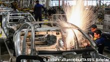 Russland Yesipovo - Eröffnung der ersten Mercedes-Benz-Autofabrik in Russland