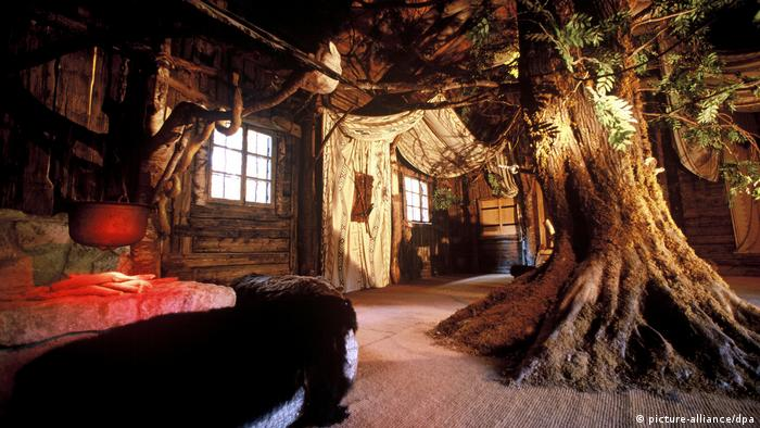 The interior of Hunding's Hut in the garden of Linderhof palace (picture-alliance/dpa)