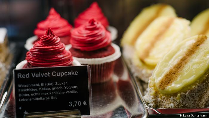 red cupcakes (Foto: Lena Ganssmann)