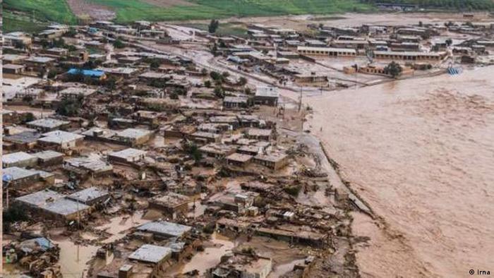 سیل های ویرانگر در همه جای جهان هشداری نسبت به تغییرات اقلیمی است (عکس: سیل در لرستان، بهار 1398)