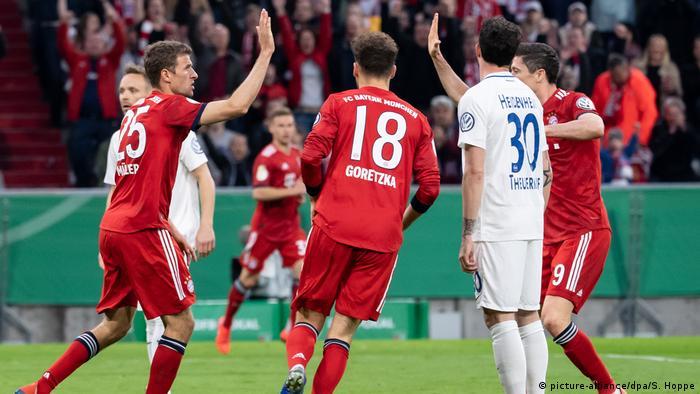 DFB Pokal - Bayern München - 1. FC Heidenheim | Torjubel (2:2) (picture-alliance/dpa/S. Hoppe)