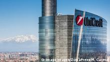 Italien Hauptquartier der UniCredit Bank in Mailand