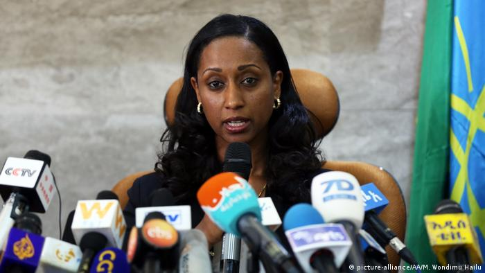 Dagmawit Moges fala à imprensa em Adis Abeba