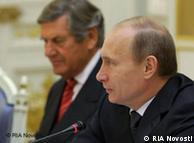 Владимир Путин во время беседы